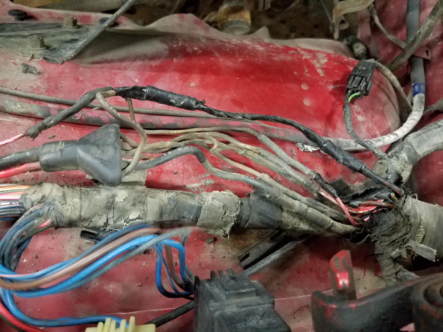 Fusible Link Sizes Dodge Ram Ramcharger Cummins Jeep Durango 1990 Wiring Diagram The Links Looked Like Before I Screwed Up And Burnt Out One It Had Apparently Heater Feed Burn As Well